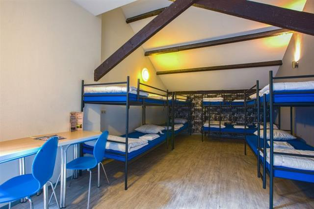 8 person hostel room at King's Inn City Hotel and Hostel Alkmaar